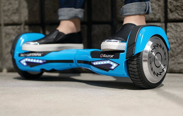 Riding Razor Hovertrax 2.0