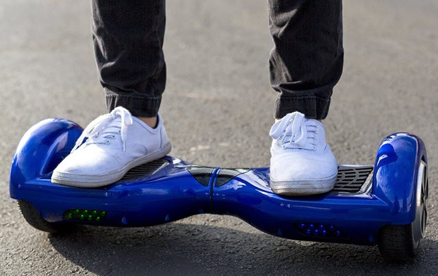 XtremepowerUS Hoverboard On Road